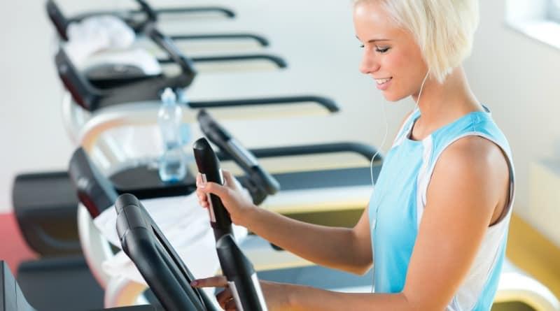 Why An Elliptical Machine is Better Than a Treadmill